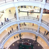 Photo taken at Shopping Pátio Higienópolis by Evandro S. on 10/7/2012