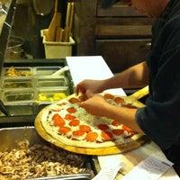 12/27/2012 tarihinde Gilbert L.ziyaretçi tarafından Cybelle's'de çekilen fotoğraf