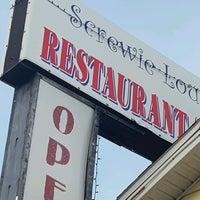 Photo taken at Screwie Louie's by Cynda R. on 12/19/2016