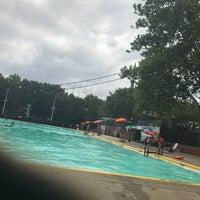 Foto tomada en Astoria Park Pool por Danny L. el 8/5/2017