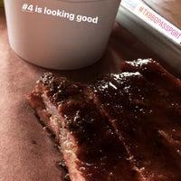 Das Foto wurde bei Pinkerton's Barbecue von Ryan H. am 6/23/2017 aufgenommen