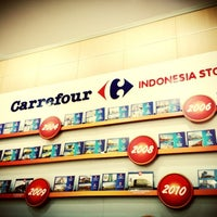 Photo taken at Carrefour by Agus D. on 12/27/2012