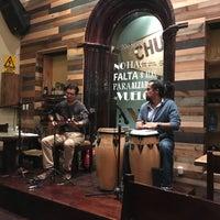 Foto diambil di 500 Noches Cafe-bar oleh Miguel A. pada 5/26/2017