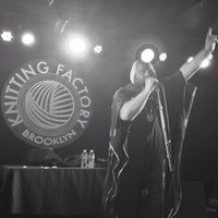 Photo taken at Knitting Factory by Thiago L. on 5/25/2013