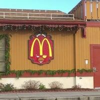 Photo taken at McDonald's by Marlon H. on 12/2/2012