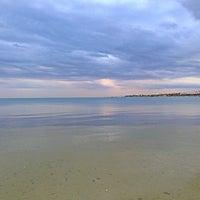 Photo taken at Ακτή Florida (Απολλώνια Πολιτεία) by Rigatoni on 11/14/2013