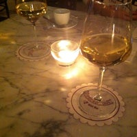 Photo taken at Bottega Del Vino by Duygu Ö. on 9/22/2014
