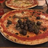 Foto diambil di Pizzeria Al Duomo oleh Inga P. pada 9/1/2017