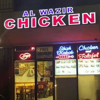 Photo taken at Al Wazir Chicken by Rudy V. on 3/10/2016