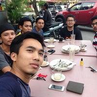 Photo taken at Restoran Mak Leha by Azwan A. on 8/1/2015