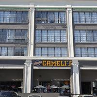 2/14/2013 tarihinde Jennifer Kjellgren ~.ziyaretçi tarafından Cameli's Gourmet Pizza Joint'de çekilen fotoğraf