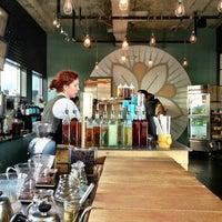 Foto tomada en Dancing Goats Coffee Bar por Jennifer Kjellgren ~. el 1/31/2013