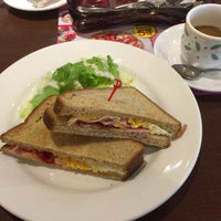 Photo taken at Denny's by たったーた、たんたん on 1/27/2017