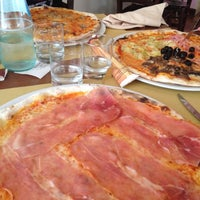Foto scattata a Il Pomodoro da Samuele V. il 10/2/2012