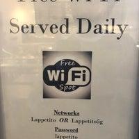 Foto scattata a Cafe L'Appetito da Martin C. il 12/18/2017