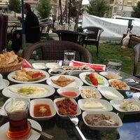 3/17/2013にEkrm E.がKasr-ı Van Kahvaltı ve Kahve Eviで撮った写真