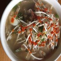 10/12/2013에 R2R0  ⛳️🏌🏼🚌님이 Noodle Cafe에서 찍은 사진