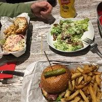 Foto scattata a Red Iron Burgers da Fedora M. il 2/24/2017