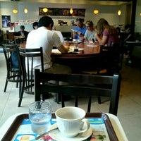 Photo taken at CAFÉ de CRIÉ by Yasunori H. on 7/7/2016