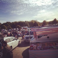 Photo taken at Drive-in Loppis Täby Galopp by Andreas E. on 9/15/2012