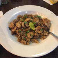 Photo taken at Creole House Restaurant & Oyster Bar by Lu Y. on 4/19/2017
