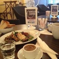 5/11/2013 tarihinde Andrea C.ziyaretçi tarafından Denizen Coffee'de çekilen fotoğraf