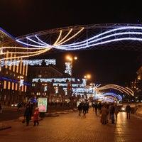 รูปภาพถ่ายที่ Вулиця Хрещатик / Khreshchatyk Street โดย Alexander P. เมื่อ 1/2/2013