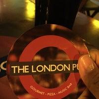 Foto tirada no(a) The London Pub por Pri R. em 1/9/2015