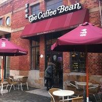 Photo taken at The Coffee Bean & Tea Leaf   香啡缤 by J. K. L. on 1/14/2013
