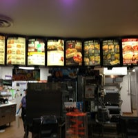 Photo taken at Taco Bell by Martin B. on 5/24/2013