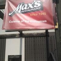 Photo taken at Max's Restaurant by Nida G. on 5/19/2014