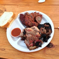 Foto tirada no(a) Micklethwait Craft Meats por Richard L. em 1/24/2013