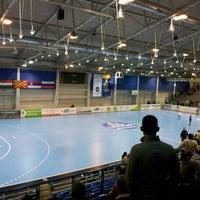 Photo taken at OBO Aréna - Dabasi Sportcsarnok by László R. on 2/10/2013