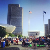 Photo prise au Empire State Plaza par Scooter C. le7/4/2013