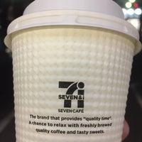 Photo taken at 7-Eleven by Matsu⚾️ on 1/5/2018