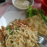 Photo taken at Cwi Mie & Bakso Lombok by neidianny on 11/14/2012
