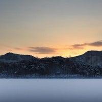 Photo taken at 풍암호수 장미공원 by 이 윤. on 1/3/2013