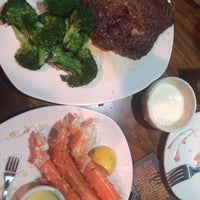 Photo taken at Outback Steakhouse by Mariyah D. on 7/15/2014