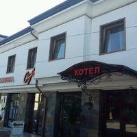 Photo prise au Hotel Varosha par Alexander A. le10/18/2012