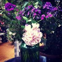 Das Foto wurde bei Petersham Nurseries Cafe von Suriya S. am 6/19/2013 aufgenommen