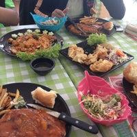 Photo taken at Coffee House กาแฟสด by GolfGab C. on 7/7/2012