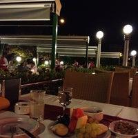 7/19/2012 tarihinde Tayfunziyaretçi tarafından Akan Restaurant'de çekilen fotoğraf