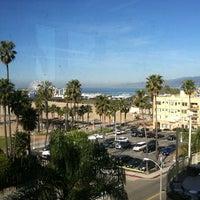 รูปภาพถ่ายที่ Loews Santa Monica โดย Scott F. เมื่อ 3/20/2012