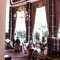 Photo taken at The St. Regis Singapore by Tracy on 3/11/2011