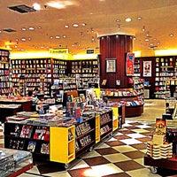 Photo taken at Saraiva MegaStore by Carla on 7/21/2012