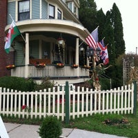 Photo taken at Marmalade Cat Bed And Breakfast by Fran W. on 10/23/2011