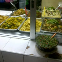 Photo taken at ร้านข้าวแกงกัญญา by bomliverpool b. on 12/22/2011