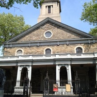 Foto diambil di St. Mark's Church in the Bowery oleh Dunia S. pada 4/21/2012