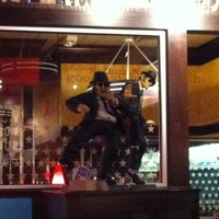 Photo taken at TGI Fridays by Marty H. on 11/23/2011