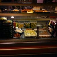Foto tomada en Horchateria-Pizzeria Bon Gelat por Patricia R. el 3/24/2012